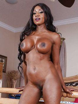 Sex julydiamond nackt Nude family