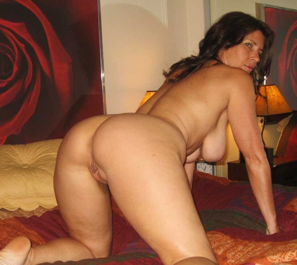 Milf sex naked Local